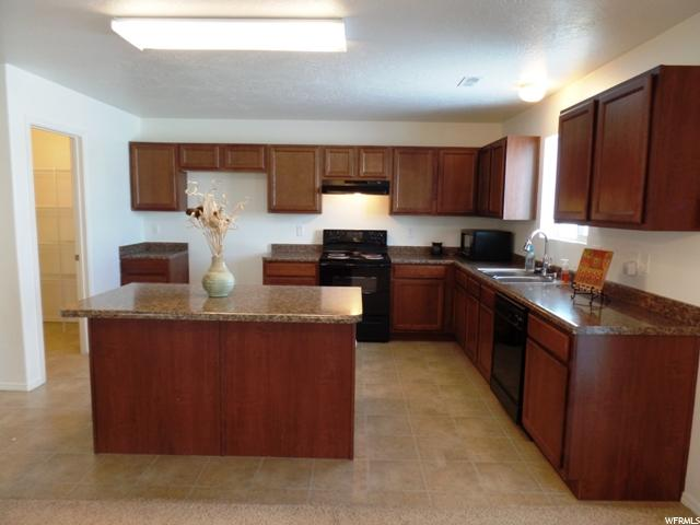 Additional photo for property listing at 599 E 2680 S  Naples, Utah 84078 États-Unis