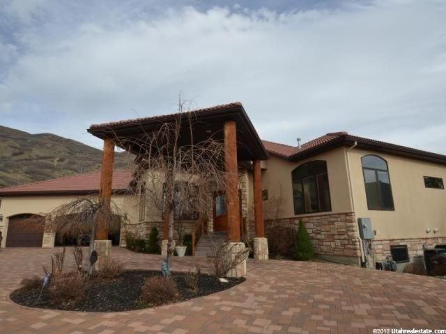 183 S Dry Canyon Dr, Lindon, UT 84042