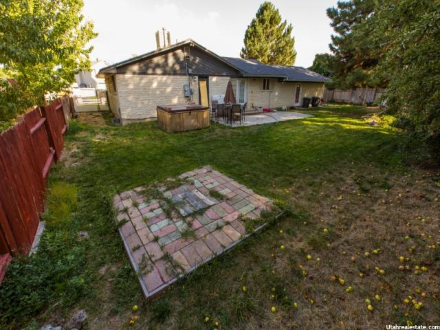 Additional photo for property listing at 7550 S AUTUMN Drive 7550 S AUTUMN Drive West Jordan, Utah 84084 Estados Unidos