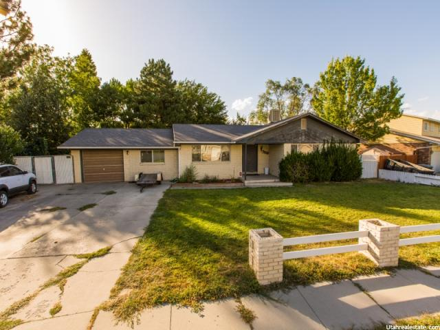 Additional photo for property listing at 7550 S AUTUMN Drive 7550 S AUTUMN Drive West Jordan, Utah 84084 États-Unis