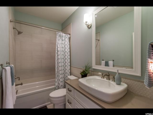 Additional photo for property listing at 2162 W KIMBER Lane 2162 W KIMBER Lane Unit: 16 Riverton, Юта 84065 Соединенные Штаты