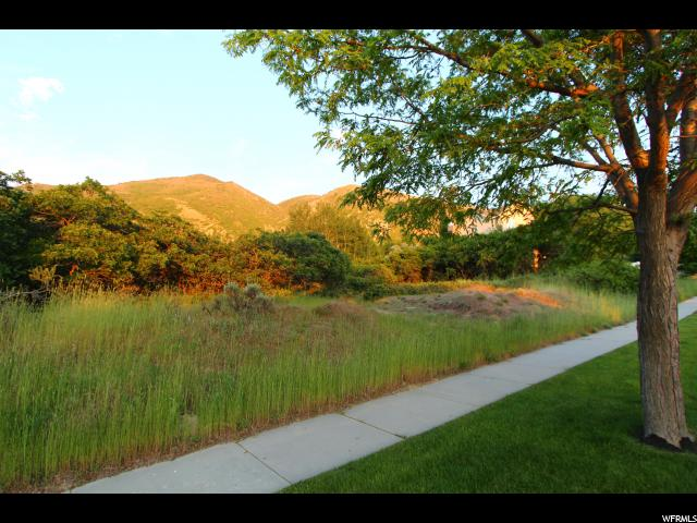 Additional photo for property listing at 2019 E GRAYSTONE Lane  Draper, Utah 84020 États-Unis