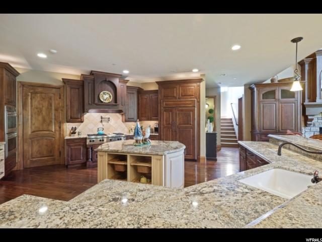 Additional photo for property listing at 2412 E OAKCREST Lane 2412 E OAKCREST Lane Holladay, Utah 84121 États-Unis