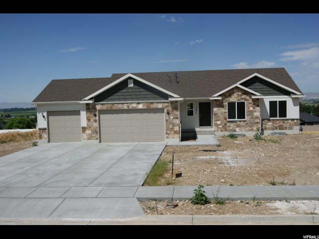 单亲家庭 为 销售 在 7071 N 2275 W 7071 N 2275 W Unit: 9 Honeyville, 犹他州 84314 美国