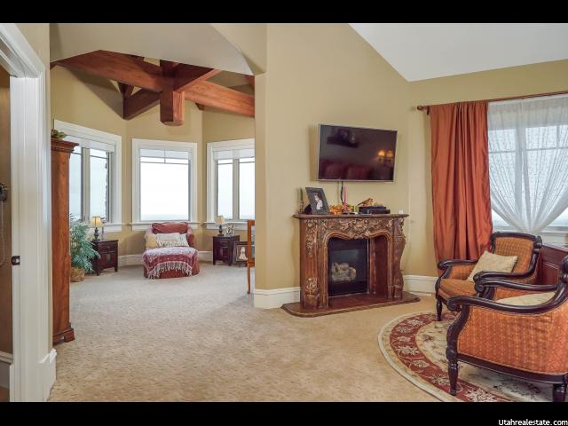1947 N GRAND VIEW DR Farmington, UT 84025 - MLS #: 1337419