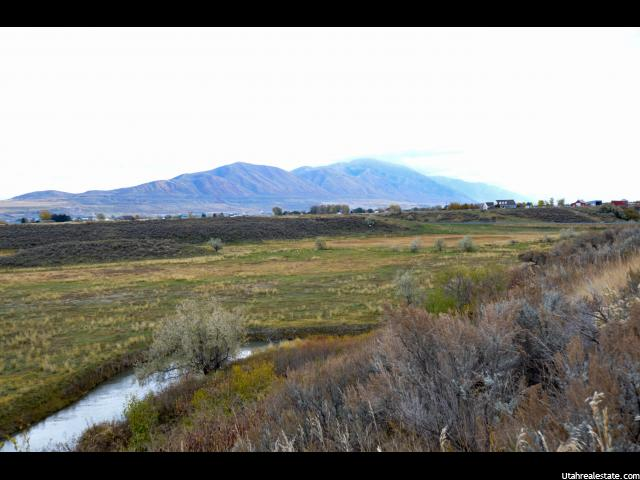 Additional photo for property listing at 15520 N 4950 W 15520 N 4950 W Riverside, Utah 84334 Estados Unidos