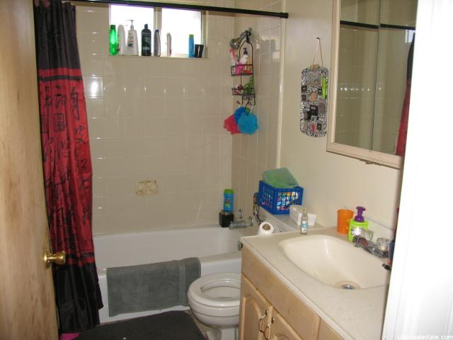 Additional photo for property listing at 426 E 200 S 426 E 200 S Price, 犹他州 84501 美国