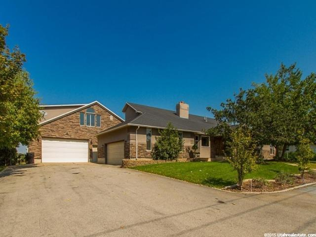 单亲家庭 为 销售 在 2352 W 700 S Syracuse, 犹他州 84075 美国