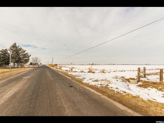 土地 为 销售 在 3800 W 2700 S Syracuse, 犹他州 84075 美国
