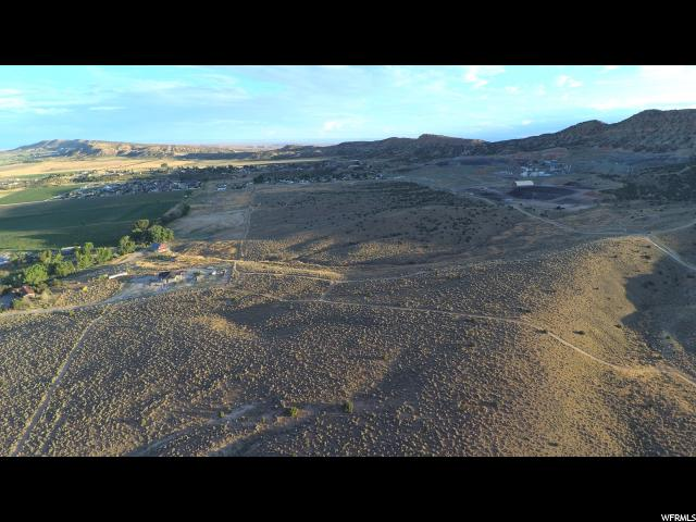 Additional photo for property listing at 3000 PIT Road 3000 PIT Road Vernal, Utah 84078 Estados Unidos