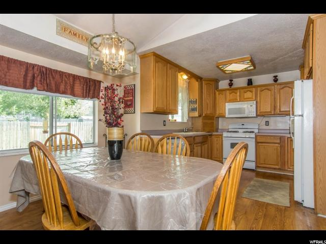 689 S FOX RUN DR Layton, UT 84041 - MLS #: 1354027