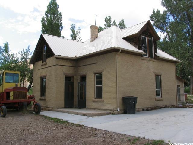 Unique la famille pour l Vente à 390 W 100 N Emery, Utah 84522 États-Unis