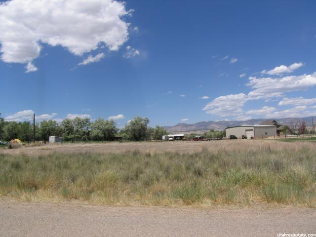 Additional photo for property listing at 9 E 3000  Price, Utah 84501 United States