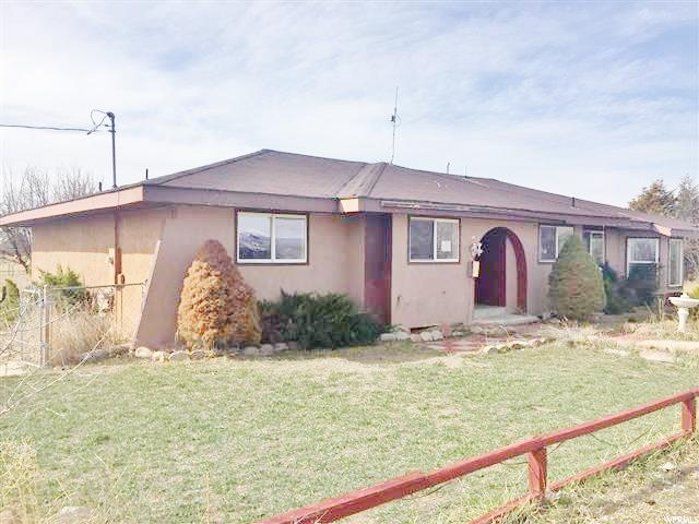 单亲家庭 为 销售 在 5851 W 3950 S Ioka, 犹他州 84066 美国