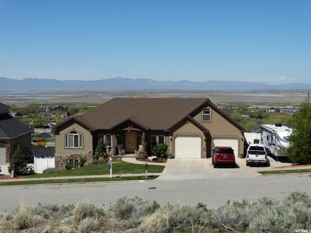 Unique la famille pour l Vente à 2918 S PEACH Street Perry, Utah 84302 États-Unis