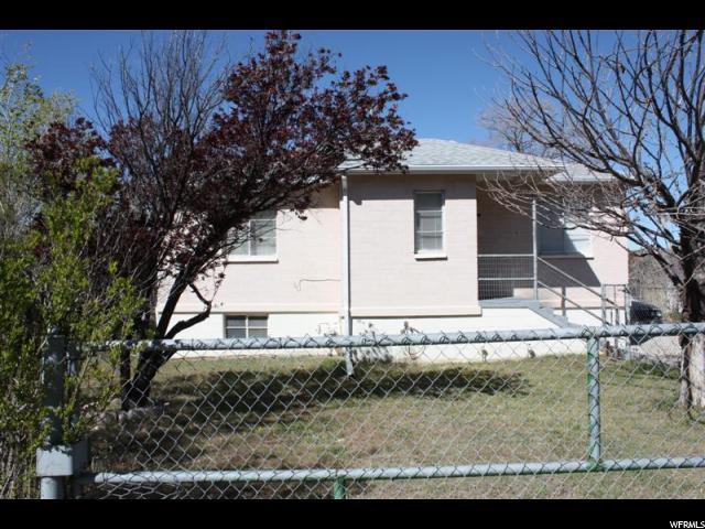 Unique la famille pour l Vente à 125 VALLEY VIEW DRIVE Drive 125 VALLEY VIEW DRIVE Drive Unit: 27 East Carbon, Utah 84520 États-Unis
