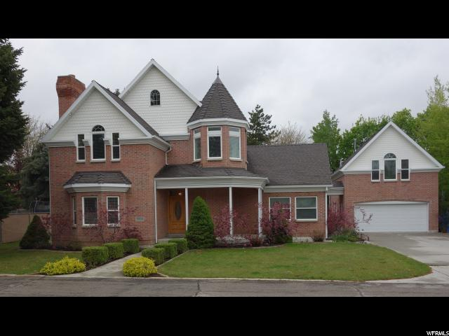 Unifamiliar por un Venta en 2428 E BENGAL BEND CV Cottonwood Heights, Utah 84121 Estados Unidos