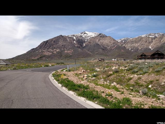 Additional photo for property listing at 860 E 3575 N 860 E 3575 N North Ogden, Utah 84414 États-Unis