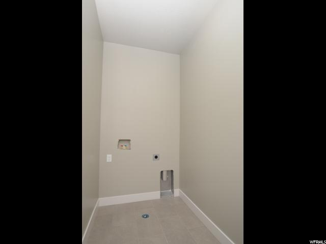 Additional photo for property listing at 2021 N 4900 W  Plain City, 犹他州 84404 美国