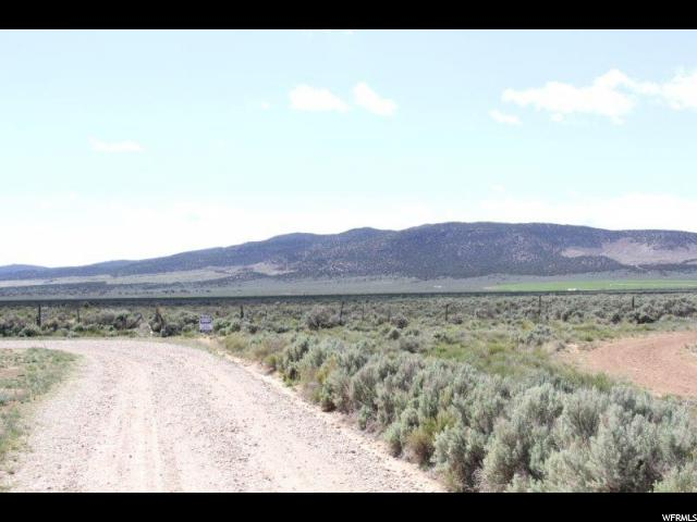 Additional photo for property listing at 400 N 6100 W 400 N 6100 W Cedar City, Utah 84721 États-Unis