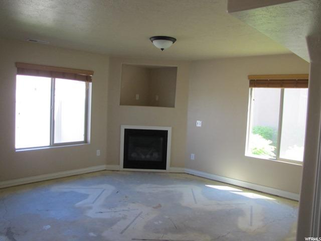 Additional photo for property listing at 1022 W VILLAGE RIVER Lane 1022 W VILLAGE RIVER Lane Unit: E4 Midvale, Utah 84047 United States