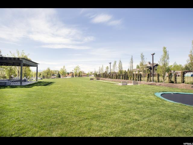 Terrain pour l Vente à 1045 E 1450 S Orem, Utah 84097 États-Unis