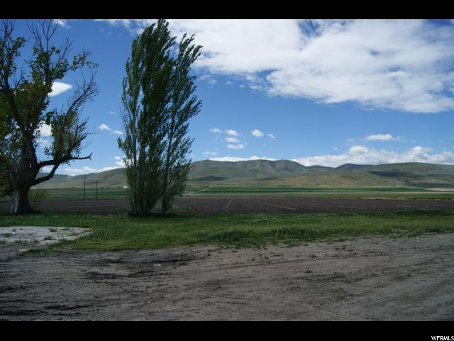 Additional photo for property listing at 12025 N 10800 W  Bothwell, Utah 84337 États-Unis