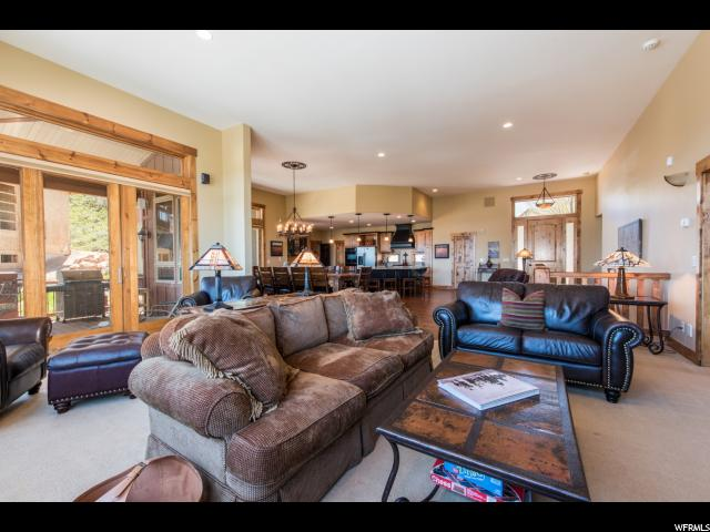 Additional photo for property listing at 5425 BOBSLED Boulevard 5425 BOBSLED Boulevard Unit: G Snyderville, Юта 84098 Соединенные Штаты