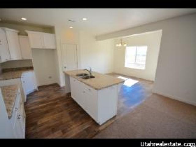 Additional photo for property listing at 11896 S RUSHMORE PARK Lane 11896 S RUSHMORE PARK Lane Unit: 146 Herriman, Utah 84096 États-Unis