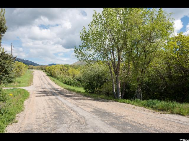 Additional photo for property listing at 2054 E 5950 N  Liberty, Utah 84310 Estados Unidos