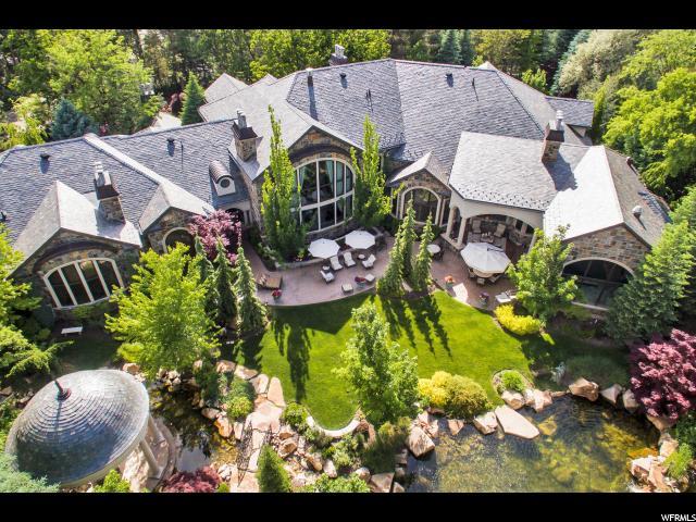 Unique la famille pour l Vente à 5987 S BRENTWOOD Drive Holladay, Utah 84121 États-Unis