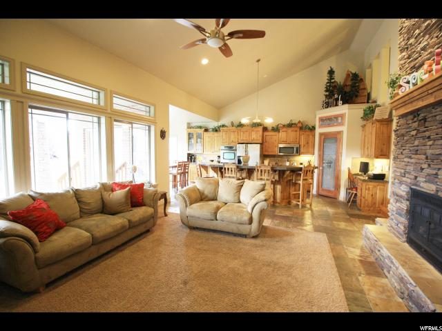 Additional photo for property listing at 3288 W CACHE Circle  South Jordan, Utah 84095 États-Unis