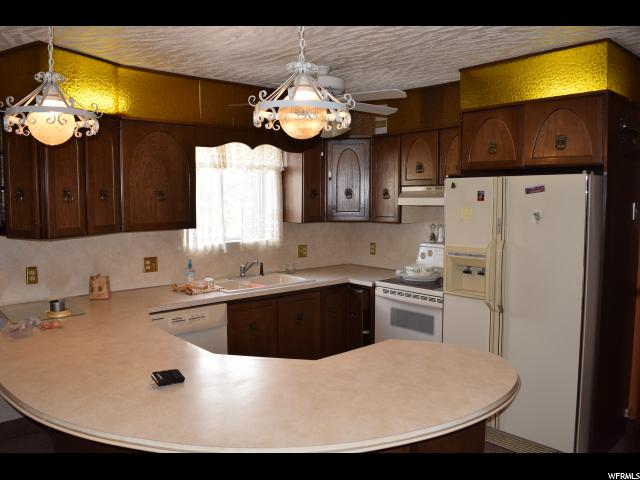 Additional photo for property listing at 137 S 100 E  Price, Юта 84501 Соединенные Штаты