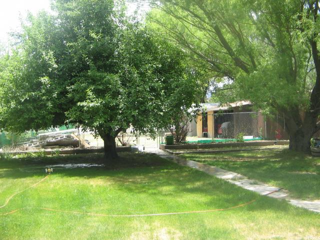 Additional photo for property listing at 240 E 100 N  Marysvale, Utah 84750 United States