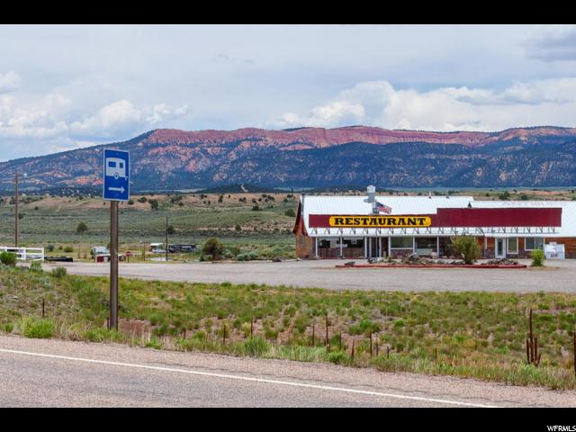 Additional photo for property listing at 586 N US HWY 89 586 N US HWY 89 Hatch, Utah 84735 États-Unis