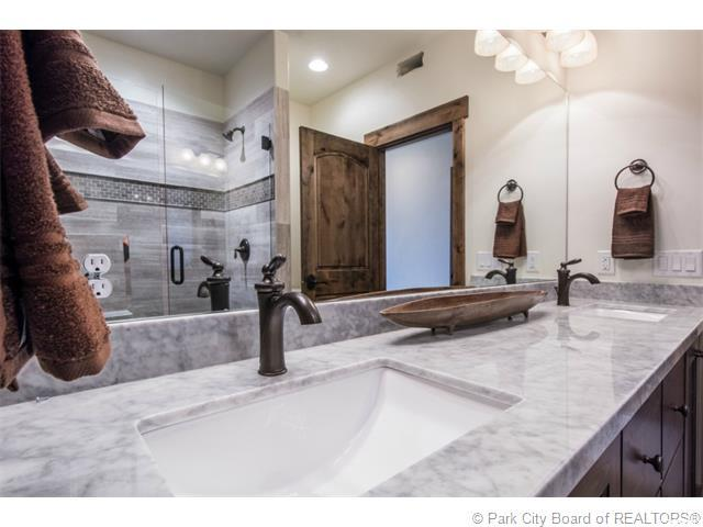 Additional photo for property listing at 9855 N VISTA Drive 9855 N VISTA Drive Unit: 101 希伯城, 犹他州 84032 美国