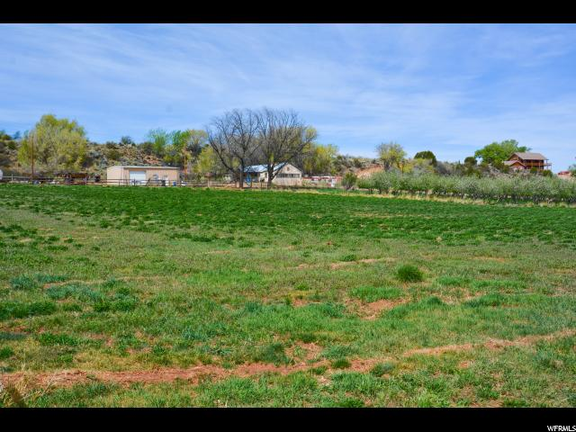 Additional photo for property listing at 4551 S 600 E 4551 S 600 E Torrey, Utah 84775 États-Unis