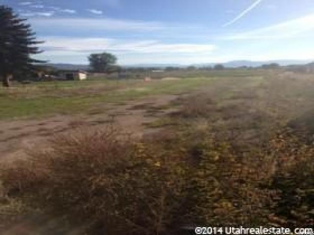 Additional photo for property listing at 674 N 3500 W  Vernal, 犹他州 84078 美国