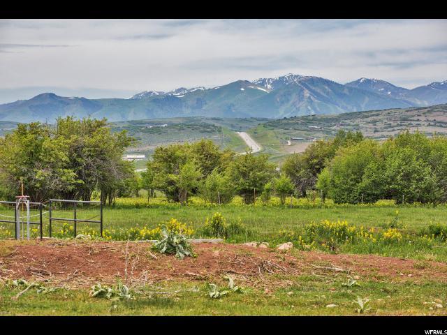 Additional photo for property listing at 400 N 200 W  Kamas, Utah 84036 États-Unis