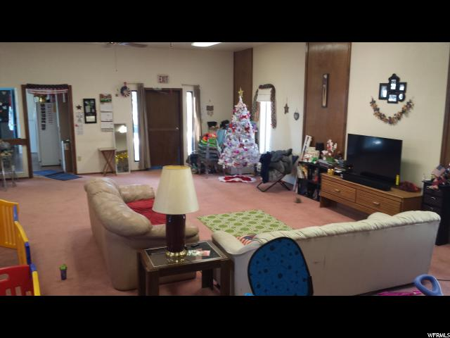 Additional photo for property listing at 97 S 200 E  Monticello, Utah 84535 États-Unis