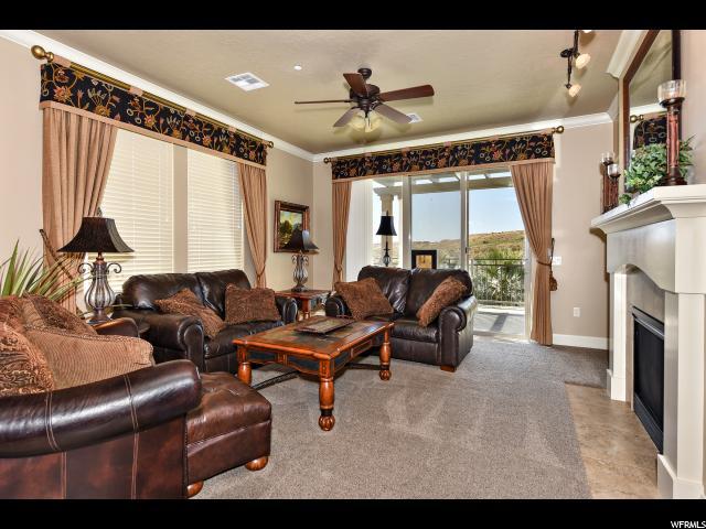 共管式独立产权公寓 为 销售 在 810 S DIXIE Drive 810 S DIXIE Drive Unit: 2824 圣乔治, 犹他州 84770 美国