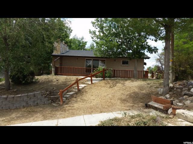 Unique la famille pour l Vente à 245 N 100 W Castle Dale, Utah 84513 États-Unis