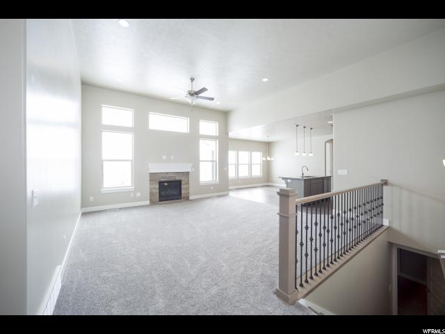 Additional photo for property listing at 164 E ZINFANDEL Lane 164 E ZINFANDEL Lane Unit: 1027 Vineyard, Utah 84058 Estados Unidos