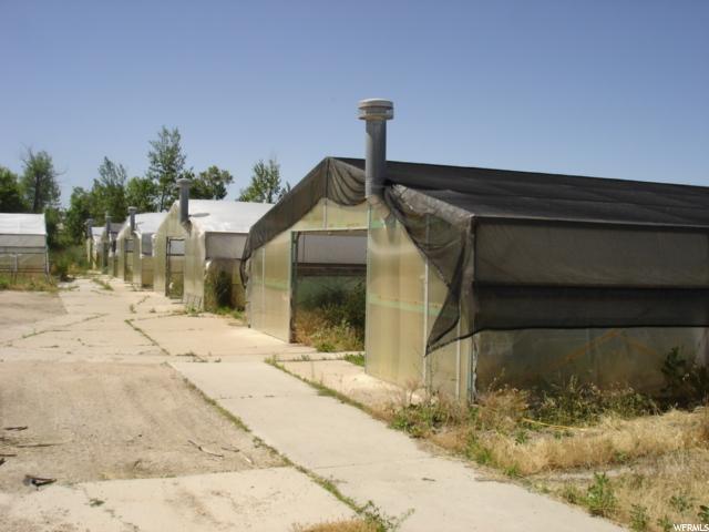 Commercial pour l Vente à 1755 N 750 W Harrisville, Utah 84404 États-Unis