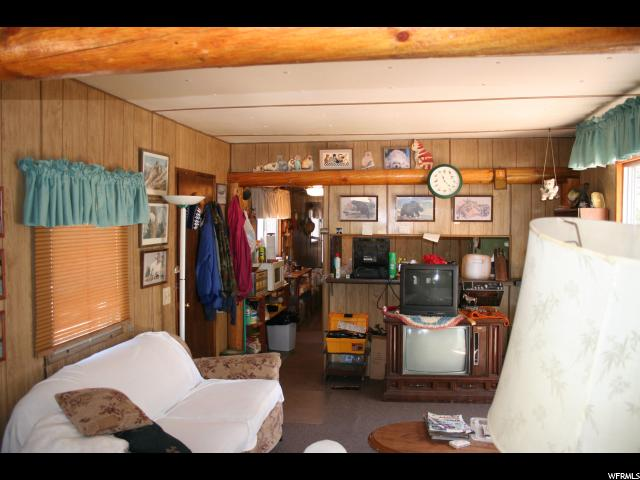 Additional photo for property listing at 7345 S 38100 W 7345 S 38100 W Unit: 39 Fruitland, Utah 84027 États-Unis