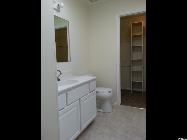 Additional photo for property listing at 5497 S 3800 W  Roy, Utah 84067 États-Unis