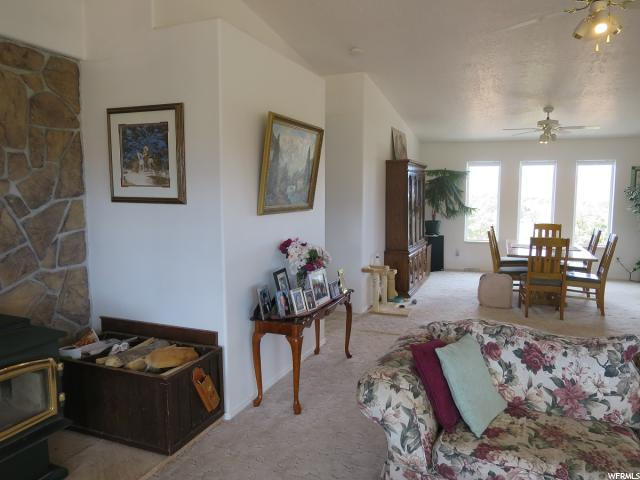 Additional photo for property listing at 307 S HIGHWAY 12 E Street  Torrey, Юта 84775 Соединенные Штаты