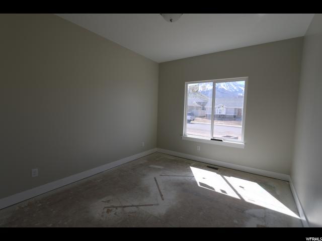 Additional photo for property listing at 145 E 880 S 145 E 880 S Unit: 30 Santaquin, Utah 84655 États-Unis