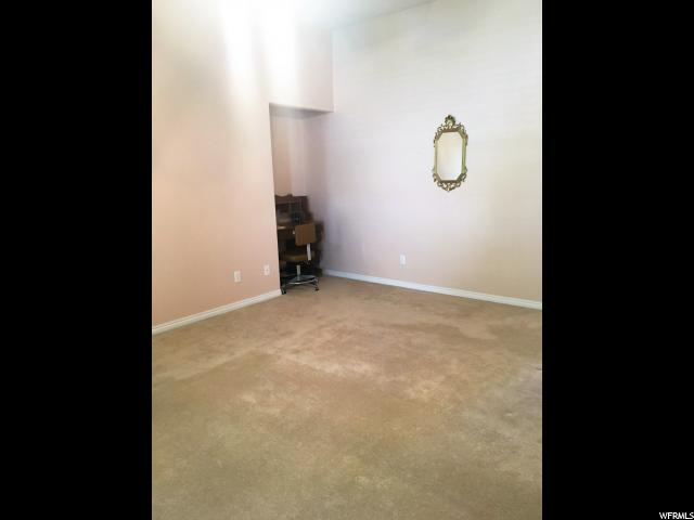 Additional photo for property listing at 940 W 500 S 940 W 500 S Vernal, 犹他州 84078 美国