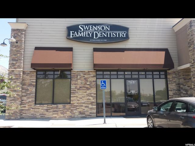 Commercial pour l Vente à 2274 N WASHINGTON BLVD. North Ogden, Utah 84414 États-Unis